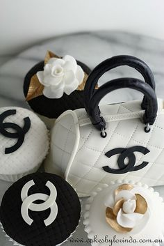 """Chanel Mini Handbag and Cupcakes by Temeraire, via Flickr"" -- Super cute for a fashion/runway party!"