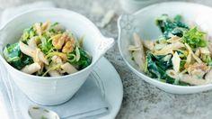 Rezept: Pasta mit Zucchini, Spinat und Walnuss Eat Smarter, Gnocchi, Potato Salad, Noodles, Spinach, Cabbage, Pizza, Potatoes, Vegetables