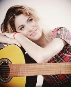 Tini and a guitar
