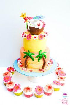 Hawaiian cake + hibiscus cupcakes