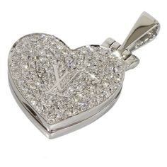 Pre-owned Louis Vuitton 18K White Gold Pendentif Coeur Diamond Heart... ($2,699) ❤ liked on Polyvore featuring jewelry, pendants, white gold charms, diamond jewelry, diamond charm, heart pendant and heart shaped diamond pendant