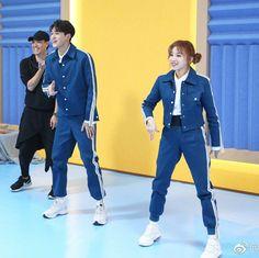 2yu #yukhei #yuqi #gidle #nct Lucas Nct, Otp, Xiuchen, Keep Running, Anime Girl Drawings, Soyeon, Chanbaek, Vmin, Winwin