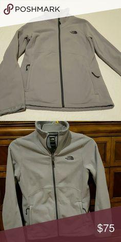 Selling this Women's North Face jacket on Poshmark! My username is: idealartist. #shopmycloset #poshmark #fashion #shopping #style #forsale #North Face #Jackets & Blazers