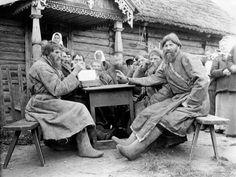 A Village Council in pre-revolutionary Russia, photo Netta Peacock. Russia, c.1902-10.