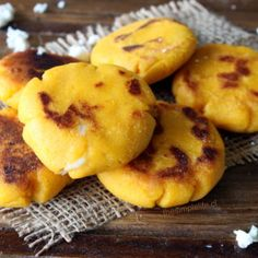 Arepas de Calabaza (Auyama o Zapallo). | The Simple Life® Sushi, Sandwiches, Muffin, Appetizers, Food And Drink, Potatoes, Bread, Snacks, Fruit