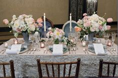 table setting and scroll menus | mise en place e menù a pergamena | Cinderella wedding | Matrimonio da favola: Cenerentola | http://theproposalwedding.blogspot.it/ #cinderella #wedding #cenerentola #matrimonio #princess #disney #fairytale