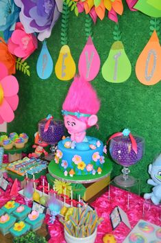25 Ideas for Trolls Party Ideas for Girl .Birthday parties are only as enjoyable as the crafts, video games, and also tasks you organize. Trolls birthday celebration party visitors will … 6th Birthday Parties, Third Birthday, Birthday Fun, Trolls Birthday Party Ideas Cake, Birthday Cakes, Birthday Ideas, Birthday Gifts, Fete Emma, Rosalie