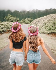 Terrific Pictures Oahu Hawaii pictures Strategies Choosing the right travel backpack is a valuable part in preparing your current trip. Too big and you will hav. Hawaii Pictures, Bff Pictures, Summer Pictures, Cute Photos, Beach Photos, Bff Pics, Family Pictures, Kauai, Oahu Hawaii