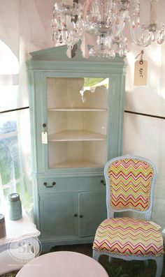Salvaged Inspirations featuring Pepper Pot Place at the Christie Antique Show | Gorgeous painted Annie Sloan Furniture