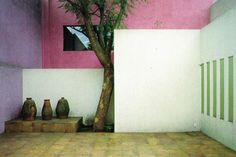Feeling inspired by the work of architect Luis Barragan. Minimal Architecture, Beautiful Architecture, Architecture Details, Architecture Diagrams, Architecture Portfolio, Mexican Designs, México City, Spanish House, Garden Features