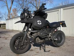 BMW R1100GS - This thing has the spirit of knobbies anyway.