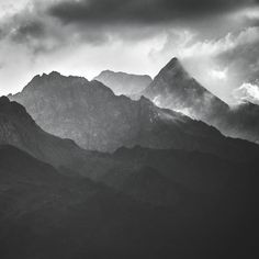 Moody mountains  #blackandwhite#mountains#Switzerland#mood#clouds#contrast#noise #monichrome#peaks#weather