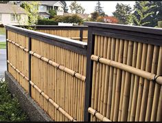 Natural Bamboo Fence Ideas for Your Garden. Not only an iron fence, concrete, or wood. Now natural bamboo fence is also a favorite of many, ranging from rural people to people who live in the ci. Bamboo Garden Fences, Backyard Garden Landscape, Backyard Privacy, Small Backyard Gardens, Fence Landscaping, Backyard Fences, Wooden Garden, Garden Fun, Garden Trees