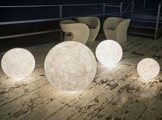 Acquista on-line Ex moon By in-es.artdesign, lampada da terra in nebulite®, Collezione luna