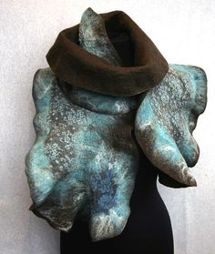 Ruffled wool scarf wrap Chocolate and Turquoise by Jane Bo, via Flickr  site avec plein de photos