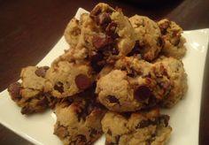 Deliciosa receita de cookies low carb sem glúten para sua alimentação com Comida de Verdade. Usa farinha de coco como ingrediente principal, mas você pode usar de amêndoas também
