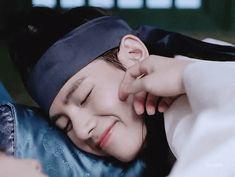 Tae sleepin' with man mudafaka! XDD