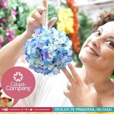 Tomara que as flores encantem o seu dia, que alegria, com bjkas e aquele abraço da equipe Casa Company! Espia...
