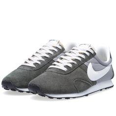51884542fb65 Nike Pre Montreal Racer (Newsprint   Sail) Air Max Sneakers