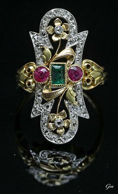 Belle Epoque ruby and emerald ring, France, ca. 1901-1910, rubies, emerald, rose cut diamonds, gold, platinum, 2.5 x 1.2 cm, 4.8 g