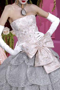 Christian Dior (via ♥pink♥silver♥Chantelle♥)