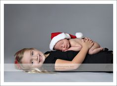 This picture idea will be perfect for my baby girl and Christmas baby :)
