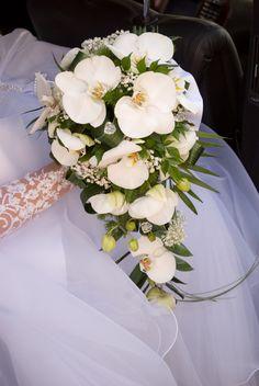 זר סחלבים לכלה - פרחים תמר Table Plans, Wedding Table, Wedding Ideas, Pretty Flowers, Flower Arrangements, Table Decorations, Home Decor, Bb, Beautiful Flowers