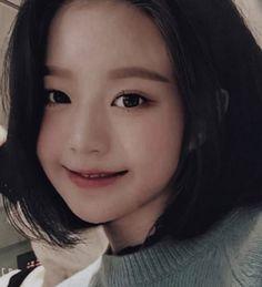 Cute Girls, Cool Girl, My Kind Of Woman, Cute Korean Girl, Korean Couple, Korean Actresses, Art Model, Beautiful Person, Ulzzang Girl