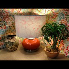 Nice #cubicle backsplash and I love the plant and the lamp!