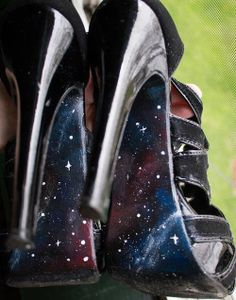 I'm on a shoe painting fix. Galaxy heels! - CLOTHING