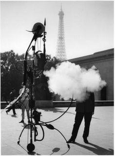 Robert Doisneau, Tinguely, Portrait de l'artiste, Paris 1959, © Atelier Robert Doisneau.