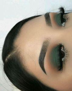 hunter green smokey eye