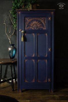 Napoleon blue men& wardrobe by Annie Sloan with black wax . - Napoleon blue men& wardrobe by Annie Sloan with black wax … wardrobe - Annie Sloan Painted Furniture, Blue Painted Furniture, Annie Sloan Paints, Funky Furniture, Refurbished Furniture, Colorful Furniture, Repurposed Furniture, Furniture Projects, Furniture Makeover