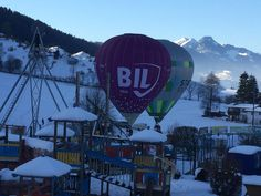 Gestern waren die Ballons los in Durchholzen!   #Bergbahn #Zahmer #Kaiser #Walchsee #Kaiserwinkl Kaiser, Ferris Wheel, Winter, Fair Grounds, Travel, Vacation, Winter Time, Viajes, Destinations