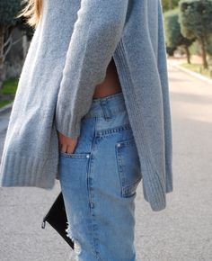 Side slits sweater. Fall outfit. Trendencies