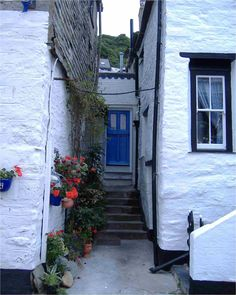 Cottage in Polperro, Cornwall, UK - Down-a-Long Cottage Bed and Breakfast, Biker Friendly B and B in Cornwall, Antony House Alice in Wonderland Experience with Johnny Depp