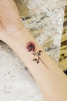 33 rose tattoos and their origin, symbolism and meaning # meaning # origin . - 33 rose tattoos and their origin, symbolism and meaning - Single Rose Tattoos, Rose Tattoos On Wrist, Small Flower Tattoos, Pink Rose Tattoos, Tattoo Flowers, Butterfly Tattoos, Model Tattoos, Body Art Tattoos, Tatoos