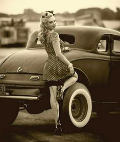 21 Ideas Vintage Cars Photography Pin Up Hot Rods Pin Up Vintage, Retro Pin Up, Mode Vintage, Vintage Girls, 50s Pin Up, Pinup Rockabilly, Looks Rockabilly, Rockabilly Fashion, Poses Pin Up