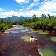 Who wants a green jacuzzi in a red river? ❤️ Location: @seecolombia relaxing in Quebrada Las Gachas - Guadalupe, Santander, Colombia.  Photo Credit: @seecolombia