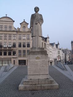 Elizabeth, Brussels