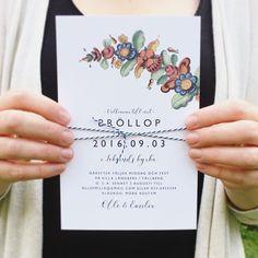 Ett nytt inbjudningskort med dala-tema. Kurbits. Finns i flera färgställningar. Dalarna i mitt  #kurbits #dalabröllop #inbjudningskort #bröllopsinbjudan #bröllopskort