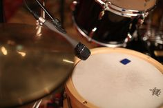 Telefunken M81 on the snare drum