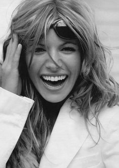Great look Sienna Happy Smile, Smile Face, Make You Smile, Smile Teeth, Sienna Miller, Smiles And Laughs, All Smiles, Beautiful Smile, Beautiful People