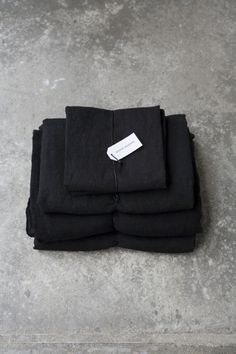 black linen bedding | secret maison