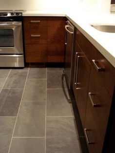 What Color Floors Match Light Maple Cabinets In The Kitchen Maple Kitchen Cabinets Maple Kitchen And Tile Flooring