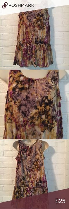 Daisy Fuentes Top Colorful Daisy Fuentes top, 100% polyester. Daisy Fuentes Tops