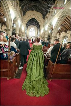 Green wedding dress with the most amazing train ever omg *dies*