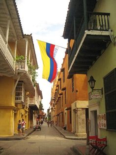 Hotel Bee - Travel tips and Travel Guides Colombian Flag, Colombia South America, Beautiful Places, Amazing Places, Vacation Spots, Travel Guides, The Good Place, Places To Visit, Photo Wall