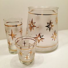 Retro frosted glass ice bucket with gold atomic stars. Perfect match to my glass collection! #thrifting #vintagestyle #atomic #retro #midcentury