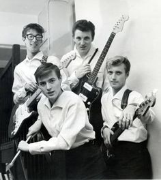 The Shadows 1959 70s Rock And Roll, Rock N Roll Music, Music Like, My Music, Shadows 1959, Hank Marvin, Greatest Rock Bands, British Rock, Led Zeppelin